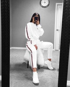 Sporty Outfits – Page 8868408355 – Lady Dress Designs Lazy Outfits, Sporty Outfits, College Outfits, Teen Fashion Outfits, Mode Outfits, Dance Outfits, Cute Casual Outfits, Sporty Style, Winter Outfits