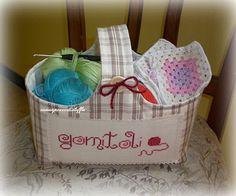 Con un pezzo di stoffa ... Knitting/crochet basket