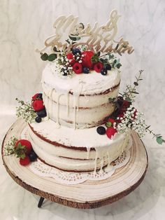 Vintage Wedding Cake • Naked Cake • Caketopper • Fresh Berry and Flowers • Romantic • Rustic Cake Toppers, Berry, Wedding Cakes, Naked, Romantic, Rustic, Fresh, Flowers, Desserts
