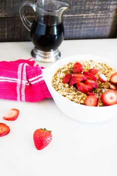 Amish Baked Oatmeal Topped with Strawberries is a delicious recipe for breakfast or brunch. It also only has 5 ingredients and is very simple to make. #oatmeal #amishrecipe #breakfast Amish Baked Oatmeal, Baked Oatmeal Recipes, Breakfast Bake, Breakfast Recipes, What Is Baking, Baby Led Weaning Breakfast, Small Oven, Amish Recipes, Strawberry Recipes