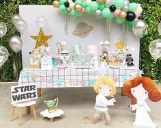 Star Wars themed Glow-in-the-dark cake pops for Caiden's birthday . Girls Star Wars Cake, Star Wars Cake Pops, Girls Star Wars Party, Star Wars Baby, Star Wars Birthday, Girl Birthday Themes, Birthday Party Decorations, Baby Shower Decorations, Party Themes