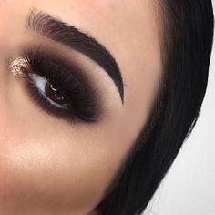 Dramatic Black Smokey Eye