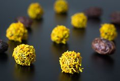 Date, Coconut and Tumeric Truffles   Turmeric is an amazing spice that works fantastically well with chocolate. Mildly aromatic, with notes of ginger and orange, it provides a great contrast to the rich dates, coconut and chocolate.
