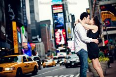 kissing in NYC