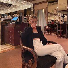 "LISA PAC (@lisapacmusic) hat ein Foto auf seinem/ihrem Instagram-Konto veröffentlicht: ""I reaaaally held on to that drink once I was done being classy and realised I'm drinking a 15€…"" Drinking, Lisa, Classy, Hat, Instagram, Chip Hat, Beverage, Drink, Chic"