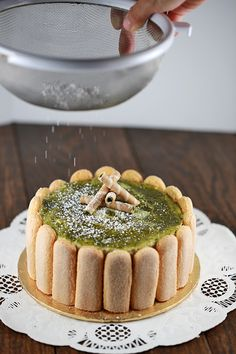 Matcha Green Tea Tiramisu - Elegant and decadent cake, perfect for an special occasion! This no bake recipe is simple to make, all you need is a bowl and whisk | jessicagavin.com