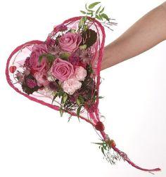 Rozowy Bukiet Slubny w formie serca | Pink Bridal Bouquet - Heart Shape | www.kaja.lebork.pl | FB: Kwiaciarnia KAJA