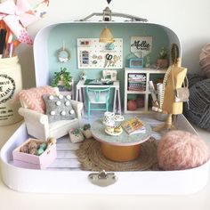 👀 A miniature craft desk on my craft desk?😝I keep thinking what if I had put a toy doll house inside this one with a teeny… Miniature Rooms, Miniature Crafts, Miniature Houses, Diy Dollhouse, Dollhouse Miniatures, Victorian Dollhouse, Modern Dollhouse, Mini Doll House, Mollie Makes