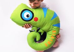 Riesiges Chamäleon zum Kuscheln mit Namen / cute and big chameleon for cuddeling, customize with name by Josefines Kinder via DaWanda.com