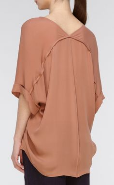 Loose fitting, oversized blouses are perfect for dinner dates or a late night munchies run. You can still pig out, and not have to worry about holding in your stomach. Plus, it adds comfortability.