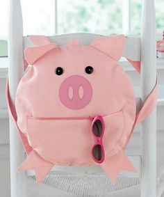 Cutest pig bag, ever! This Little Piggy, Little Pigs, Diy Mochila, Piggly Wiggly, Cute Pigs, Cute Backpacks, Kids Bags, Animal Party, Purses And Bags