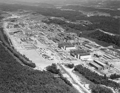 This nuclear installation in Tennessee was the site of many UFO incidents in the late 40s and early 50s. Description from wwwmacsufonews.blogspot.com. I searched for this on bing.com/images