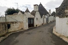Puglia, the perfect holiday destination! - Mary Mack's World Alberobello Italy, Culture Of Italy, Holiday Destinations, Most Beautiful Pictures, Vacation, Mansions, World, House Styles, Beach