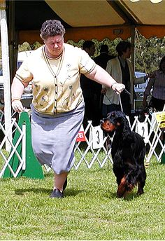 Duff's Aunt Gale and one of the top Gordon Breeders in the world, Colleen O'Brien, of Fair Isle Kennels in PA (who brought Duff to us).