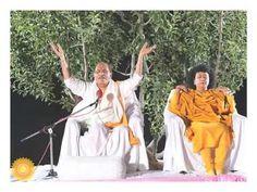 Sudhanshu Ji Maharaj | Dr Archika Didi | Social Media | Facebook | Twitt...