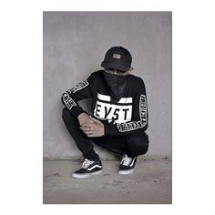 Only few pieces left of our limited edition Longsleeve 'VLIFURU 11'. All credits to #elpWarrior 🙌 @lendriexcel #EASTLANDPRIDE #eastlandpridecouture #likeforfollow #like4like #likeforlike #like4follow #regrann #BLACKFASHION #alifuru #basudara #moluccanwarrior #allblackeverything #blvck #salawaku #nyong #nyongambon #fashionindonesia #indofashion #ambon #ambonmanise #maluku #moluccan #ambonbagaya