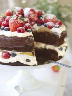 sommerens festkake- saftig sjokoladekake med krem