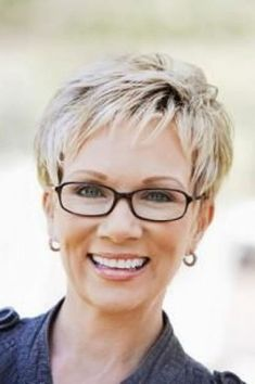 Short Hairstyles For Women Over
