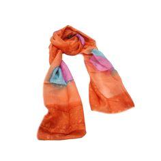 ECHARPE ABSTRATO LARANJA em tecido 100% seda com estampa abstrata nas cores azul, rosa e laranja. #echarpe #echarpes #lenços #lenço #moda #modafeminina #acessórios #acessóriosfemininos #scarf #scarfs #fashion #womensfashion #femalleacessories