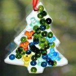 http://whereimaginationgrows.com/2014/12/easy-christmas-crafts-for-kids-tree-suncatchers/