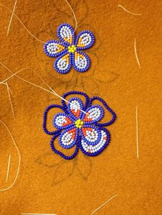 286 best athabascan beadwork images on Native Beading Patterns, Beadwork Designs, Native Beadwork, Seed Bead Patterns, Native American Beadwork, Bead Embroidery Tutorial, Beaded Embroidery, Beading Techniques, Beading Tutorials