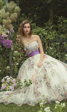 . Wedding Dress Patterns, Colored Wedding Dresses, Boho Wedding Dress, Wedding Gowns, Evening Dresses, Prom Dresses, Formal Dresses, Fantasy Gowns, Whimsical Fashion