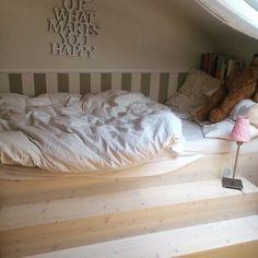 #Bett mit #Treppen !  Steiffbär Cribs, Toddler Bed, Furniture, Home Decor, Bedroom, Stairways, Lawn And Garden, Cots, Child Bed