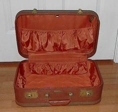 "EXCELLENT Vintage LADY BALTIMORE Luggage Suitcase Overnight Case Jun 24, 201213:03:32 PDT 18"" $13.09 mine"