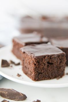 A rich and creamy recipe for Chocolate Mascarpone Brownies. Definitely one of the favorite all time brownie recipes ever. Fig Recipes, Gourmet Recipes, Baking Recipes, Dessert Recipes, Gourmet Foods, Cupcake Recipes, Decadent Brownie Recipe, Brownie Cake, Brownie Recipes