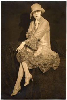 "1926 20's - www.fashion.net/ ♥✮✮""Feel free to share on Pinterest"" ♥ღ www.myextrashoes.com"