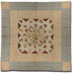 Medallion coverlet, maker unknown, probably made in United Kingdom, circa 1820-1840, 93 x 92.5 in, IQSCM 2006.014.0001