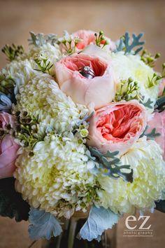 Jill Duggar wedding bouquet