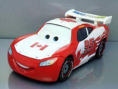 Disney Pixar Cars 2 Diecast Canada McQueen Rare F402