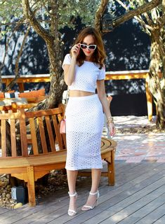 Sydne-Style-Express-Runway-how-to-wear-a-crop-top-spring-trends-eyelet-white-cat-eye-sunglasses