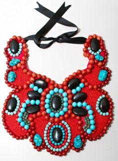 DIY Collar babero con coral y turquesas | Crímenes de la Moda en stylelovely.com