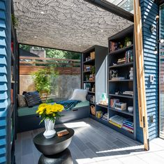 This Tiny Guest House Was Turned Into a Dreamy Backyard Library Tiny Guest House, Tiny House Living, Tiny House Design, Home Living Room, Shed Decor, Backyard Office, Outdoor Sheds, Design Firms, Beautiful Homes