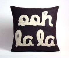 """make these with 3 pillows of different sizes that say """"see"""" """"jane"""" """"run"""" or something like that :)"""