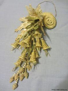 ЦВЕТЫ ИЗ СОЛОМКИ от Раисы Раманеня (11) (525x700, 248Kb) Flax Weaving, Straw Weaving, Paper Weaving, Weaving Art, Basket Weaving, Newspaper Basket, Newspaper Crafts, Straw Projects, Corn Husk Crafts