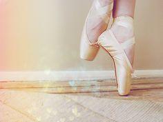 ballerina-ballerinas-ballet-classy-cute-Favim.com-433513.jpg (500×375)