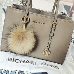 Michael Kors Fall 2015 Ready-to-Wear - Collection #Michael #Kors #Handbags I have this handbag as well in he color Nickel I LOVE IT!!!!!