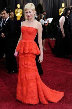 Michelle Williams - Red on Red no Oscar? Só Michelle Williams para segurar o look!  Os vestidos mais incríveis da história do Oscar!