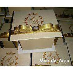 Caixas Livro lindíssimas, você merece! :-) #casamento2016 #noivas2016 #caixaspersonalizadas #maodeanjo