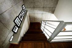 Staircase ledge ideas