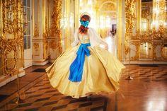 Anastasia dress inspire of Anastasia, Gold Dress - Halloween costume for Adult Anastasia Cosplay, Anastasia Dress, Gold Dress, Yellow Dress, Blue Dresses, Pretty Dresses, Halloween Dress, Halloween Cosplay, Disney Halloween