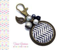 Bijou de sac / Porte clef cabochon - Vague noir et blanc - bronze gris breloque verre : Porte clés par tinais-creations