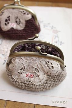 Crochet purses- no instructions available. Need to improvise. Not sure where to get the closure.