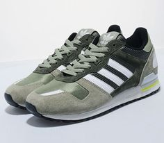 new products d7fe8 be302 adidas ZX 700 - St Tent Green   St Major - Running White