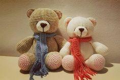 Amigurumi Knitting Toy Teddy Bear Model Making (Narrado) - Tricô . Knitted Teddy Bear, Crochet Bear, Crochet Patterns Amigurumi, Crochet Animals, Crochet Dolls, Free Crochet, Teddy Bears, Diy Doll, Crochet Projects