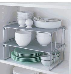 ideas espacio armarios cocina. Una mini estantería dentro de un armario