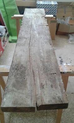 Tavolo con palanche vissute e vetro con gambe cromate: inizio lavori